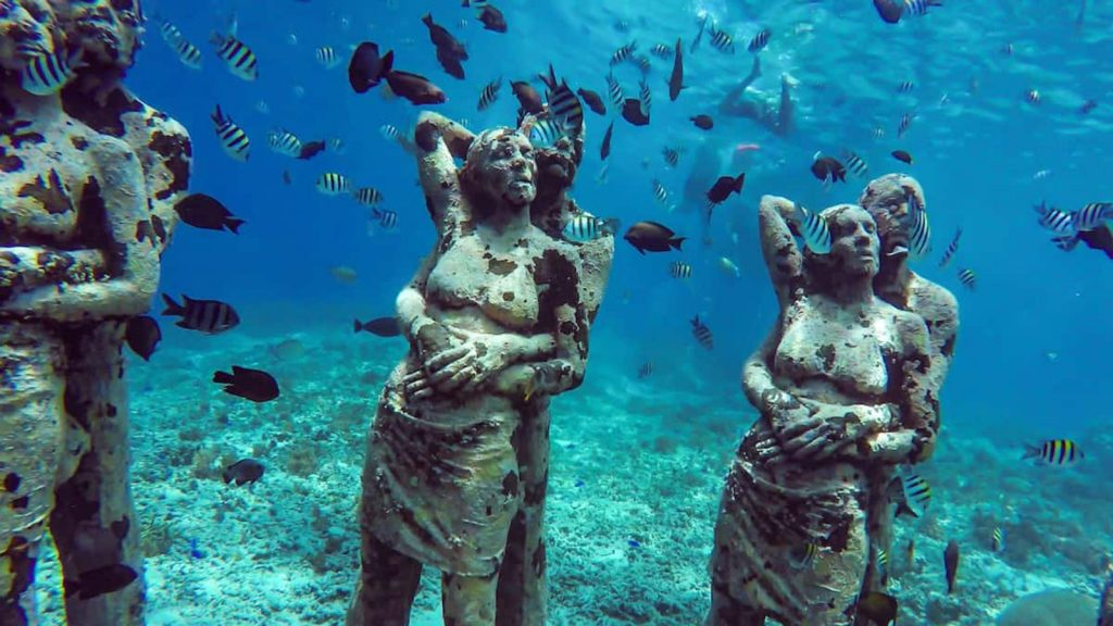 Diving Menyaksikan Patung Nest Gili
